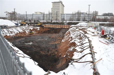 Bauschild Nicht Angebracht by Ostend Boom Geht Weiter Links Und Rechts Der Hanauer