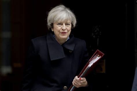 queen authorises british prime minister to begin brexit theresa may to address mps after brexit bill approved the