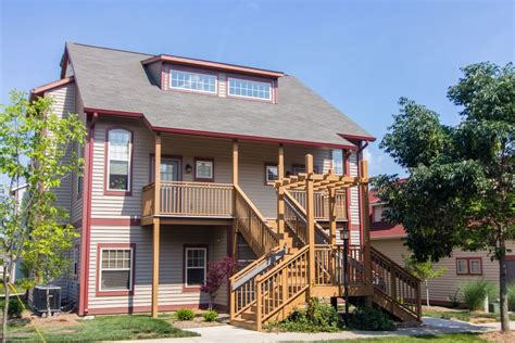 covenanter hill view  bedroom apartment rental bloomington indiana