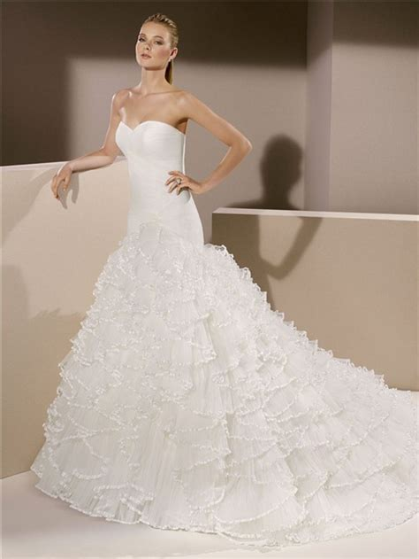 fitted trumpet mermaid strapless sweetheart tulle ruffle