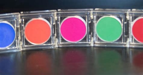 Nyx Primal Color Pressed Pigments Fuschia Pc04 schmidty makeup review nyx primal colors collection