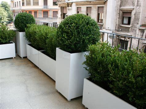immagini terrazzi arredati fioriere moderne fioriere moderne with fioriere