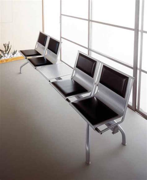 sedute per sala d attesa sedute su trave per sala attesa tavolino acciaio