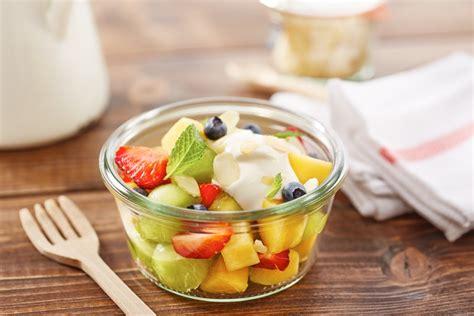 cara membuat salad buah menggunakan yogurt salad buah 10 trik mengolah salad buah agar terasa nikmat