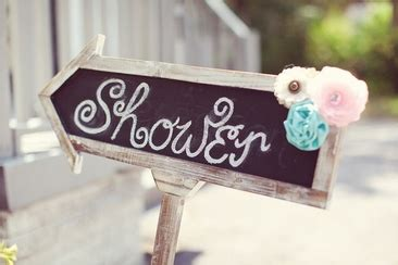Who Usually Pays For The Bridal Shower by Who Pays For Bridesmaids Hair And Makeup Everafterguide