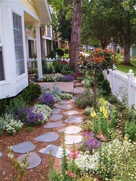 best 25 small front gardens ideas on pinterest small front garden landscaping ideas small