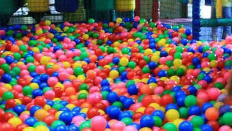 Bolamandi Bola bahaya permainan mandi bola bagi anak