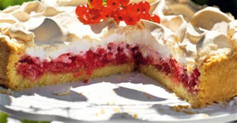himmel und hölle kuchen mit johannisbeeren sommer flirt 2013 johannisbeerkuchen mit baiserhaube