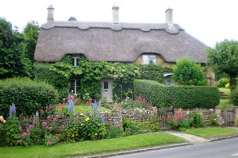 front cottage cottage gardens home and garden photos landscaping ideas