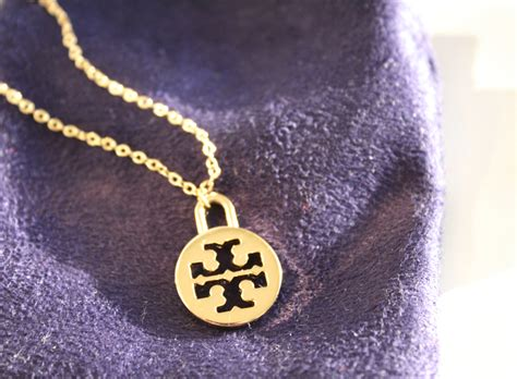 5 Jewelry Pieces For Every by Five On Friday Everyday Jewelry Pieces The Southern Thing