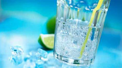meglio acqua rubinetto o in bottiglia bere lacqua rubinetto o in bottiglia the