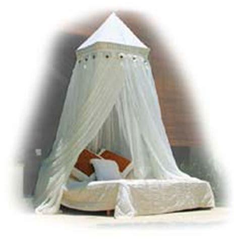 dekoratives bett baldachin moskitonetze als baldachin schenken ihnen ein vollkommen