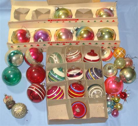 how retro com vintage style christmas ornaments