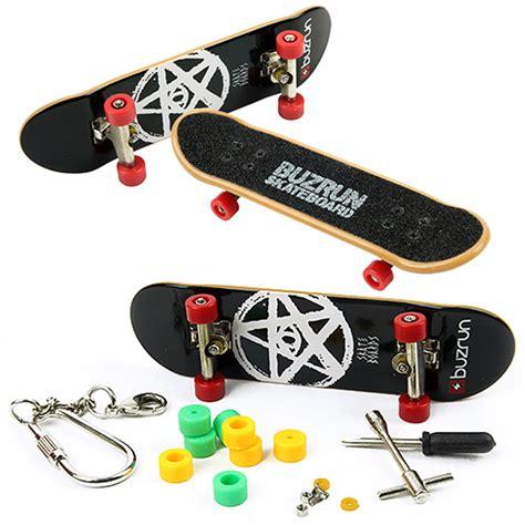 Fingger Skateboard Set Skateboard Mini Model Unik complete fingerboards mini skateboard set for boys sports figure ebay