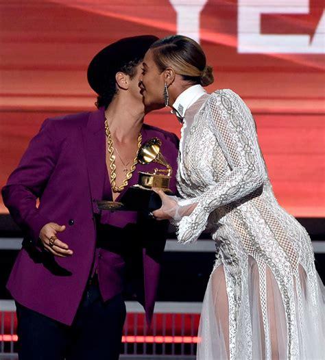 Beyonce Grammy Wardrobe by Beyonce Exposed Singer Suffers Shocking Wardrobe