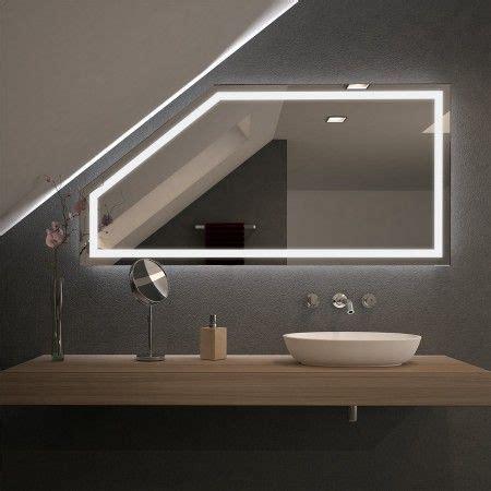 beleuchtung dachschräge die besten 25 badspiegel mit led beleuchtung ideen auf