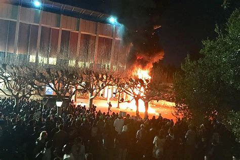 Uc Berkeley Finder Protests By Visiting Mob Lead Berkeley To Cancel Speech By Milo Yiannopoulos