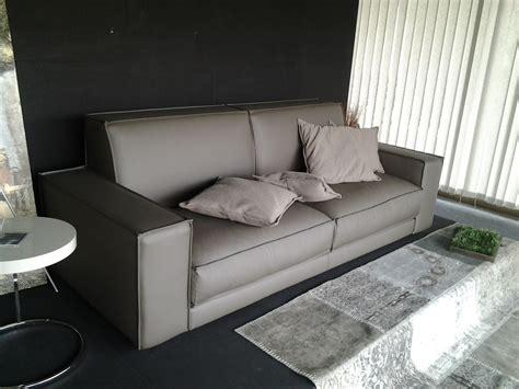 divani in ecopelle prezzi ditre italia divano buble divani lineari ecopelle divano