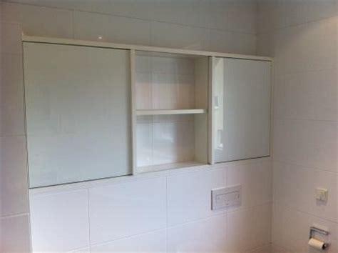 spiegelschrank zum schieben spiegelschrank julius m 246 bel kreativ funktionell