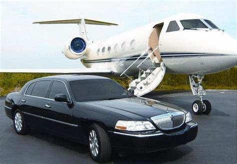 Limo Transportation Services by Airport Transportation Service Detroit Limousine Inc