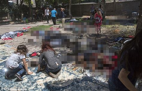 imagenes wasap atentado paris isis suicide bomber in suruc turkey blows himself up at
