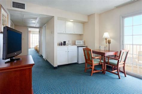 2 bedroom suites in ocean city md marlin suite