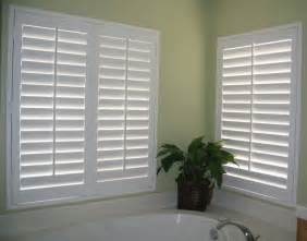 white wooden blinds shutters blinds on the net quality custom made shutters