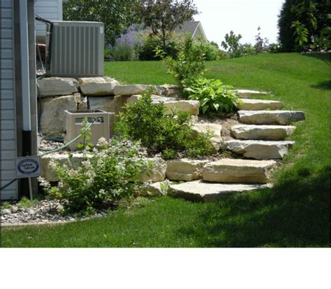 small garden retaining wall 25 best ideas about small retaining wall on