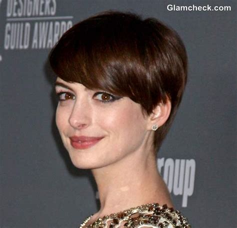 pixie hair cut with out bang short pixie hairstyles anne hathaway