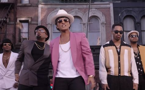 uptown funk mark ronson bruno mars remain in 1 spot on hot 100 for