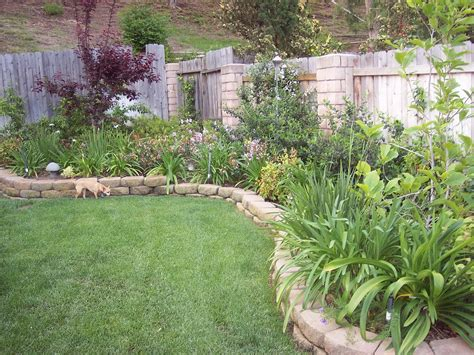 Small Landscaped Gardens Ideas Astonishing Small Garden Yard With Exterior Backyard Landscape And In Backyard Landscaping Ideas