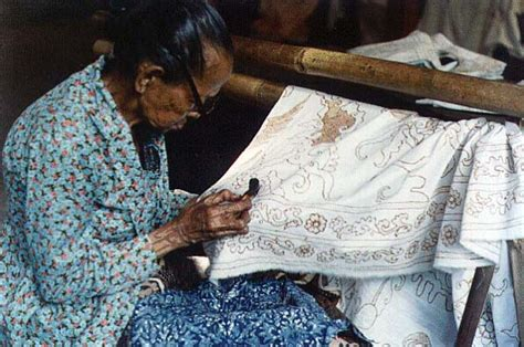 pattern maker indonesia batik an indonesian traditional clothes indonesian cultures