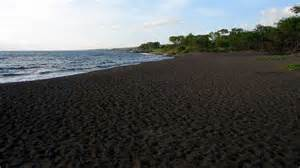 where is the black sand black sand beach in iceland pics