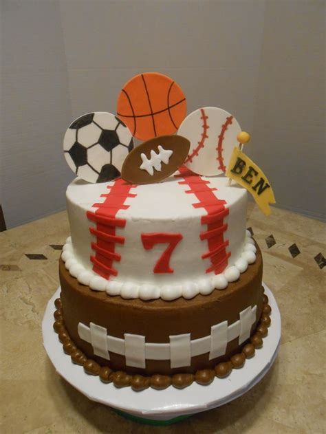 sports themed cake decorations 25 best ideas about sports birthday cakes on