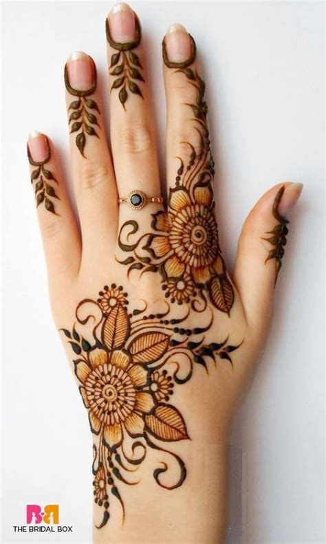 Tattoo Henna Di Jakarta | tak asal cantik di balik motif henna ternyata menyimpan