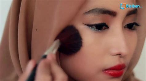 tutorial make up sederhana pesta tutorial makeup sederhana untuk pesta saubhaya makeup