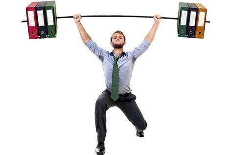 ufficio sta settimanali 10 esercizi si possono fare in ufficio da seduti