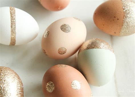 pretty easter eggs 14 pretty easter egg decorating ideas purewow