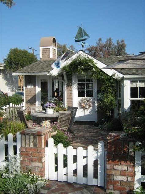 Coast Cottage by Best 25 Cottages Ideas On Cottage