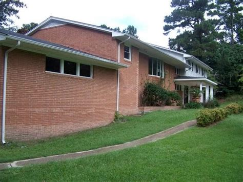 501 e forest hill dr goldsboro nc 27534 foreclosed home