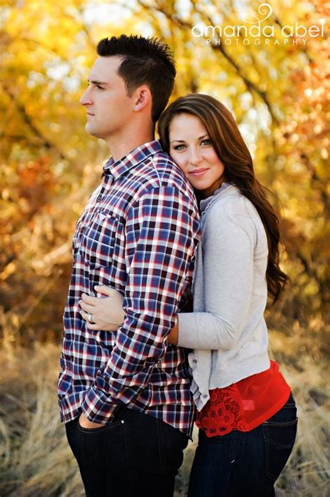 23 Creative Fall Engagement Photo Shoots Ideas I Should?ve