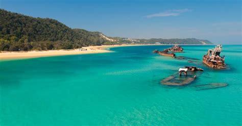bay boats scarborough qld moreton island boat cruise
