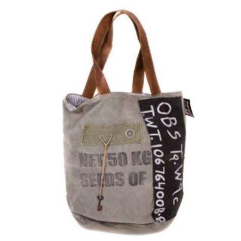 Tas Tote Bag Segitiga 17067 stoere vintage tas gemaakt gerecyclede stoffen elke tas is uniek deze stoere tassen maken