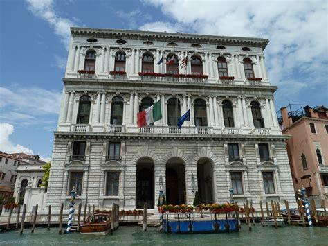 prefettura di venezia ufficio cittadinanza file palazzo corner della ca grande gran canal san marco