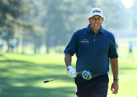 master s phil mickelson isn t too old to think he can t win another