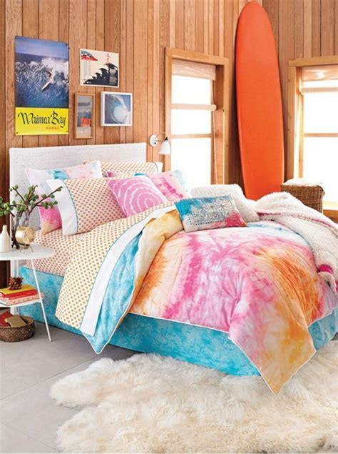 bettdecke farbig farbideen schlafzimmer einflu 223 reiche farben und dekoration