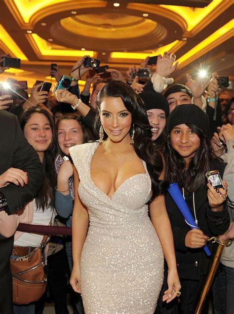 1 kim kardashian fan site pictures bio news kim kardashian celebrates new year s eve at tao las vegas