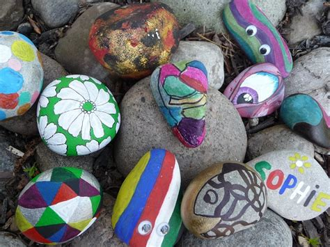 rock crafts for cool pet rock painting ideas