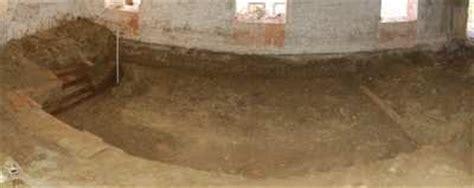 Altbau Bodenplatte Tieferlegen by Brunnen Unter Stallmauer