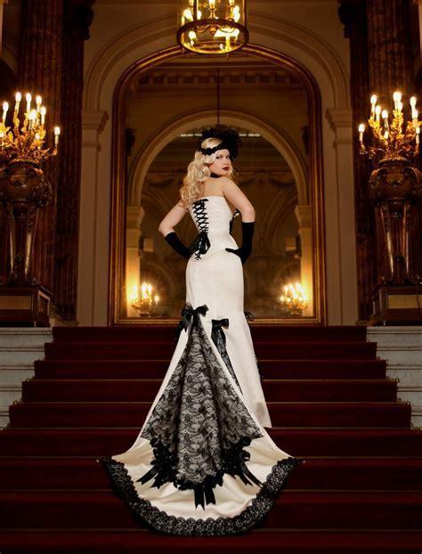 Best 20  Corset Wedding Dresses ideas on Pinterest   White